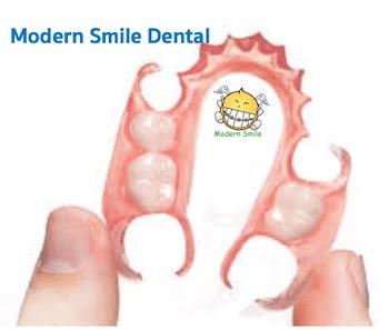 ฟันปลอมฐานพลาสติกแบบนิ่ม คือสามารถดัดงอได้ ไม่หักง่าย